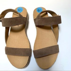 NEW Lucky Brand Suede Espadrilles Sandals